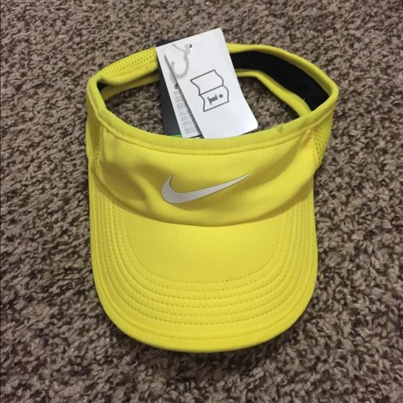 Nike tennis visor hat